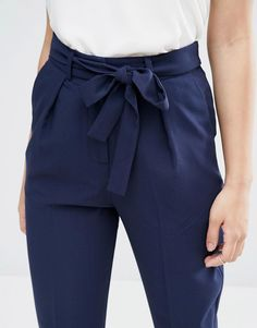 Image 3 of ASOS Woven Peg Trousers with OBI Tie Sie inetessieren sich für den einzigartigen Gentleman Look? Schauen Sie im Blog vorbei www.thegentlemanc... ALL WOMEN'S SHOES http://amzn.to/2lCsLp1