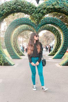 Una tarde en el famoso Parque de la Reserva, Circuito Mágico del Agua o Parque de las Aguas de Lima practicando esto del slow travel en Perú. Lima City, Hong Kong Night, Artsy Photos, Peru Travel, Tumblr Photography, Girls Weekend, Machu Picchu, Travel Pictures, Adventure Travel