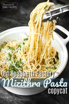 This Mizithra Pasta tastes just like the one at The Old Spag.- This Mizithra Pasta tastes just like the one at The Old Spaghetti Factory! It is… This Mizithra Pasta tastes just like the one at The Old Spaghetti Factory! Healthy Pasta Recipes, Healthy Pastas, Cooking Recipes, Meat Recipes, Salad Recipes, Spaghetti Factory, Sauce Pizza, Comfort Food, Pasta Dishes