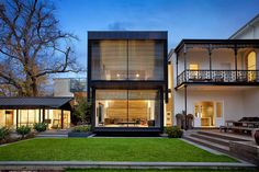 Modern addition to Victorian Melbourne house Australian Architecture, Residential Architecture, Interior Architecture, Installation Architecture, Residential Land, Modern Interior, Style At Home, Beautiful Buildings, Beautiful Homes