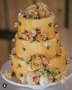 We LOVE everything about bees and beehives. Check out these awesome cake decorating ideas. It's amazing how creative these cakes are! Bee Cakes, Cupcake Cakes, Pink Cakes, Cupcakes, Croquembouche, Profiteroles, Beautiful Cakes, Amazing Cakes, Orange Chiffon Cake