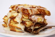 cinnamon roll waffles....added extra 2 tablespoons of powdersugar to creamcheese mixture....