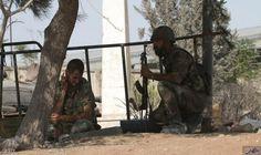 """الجيش السوري: """"تقليص"""" القصف على مدينة حلب: أعلن الجيش السوري في بيان الأربعاء قراره """"تقليص"""" عدد الضربات الجوية والمدفعية على مواقع الفصائل…"""