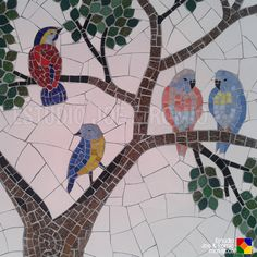 Some of the DIY Garden Mosaics Projects - Having a beautiful garden is everyone`s dream. You can do different things to make your garden look beautiful. For example, you can plant beautiful fl. Mosaic Tile Art, Mosaic Diy, Mosaic Garden, Mosaic Crafts, Mosaic Projects, Mosaic Glass, Mosaic Animals, Mosaic Birds, Mosaic Designs