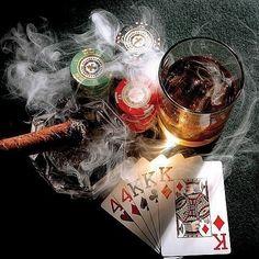 pokern mit whiskey, zigarren und dunklen gestalten