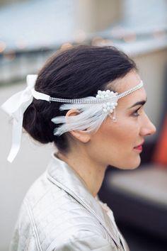 Headband Muguet – accessoire de coiffure de mariage – strass – plumes - Sautoir et Poudrier par SautoirEtPoudrier sur Etsy https://www.etsy.com/fr/listing/220519726/headband-muguet-accessoire-de-coiffure