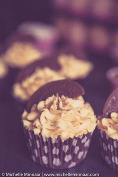 Cupcakes in brown polka dot cases