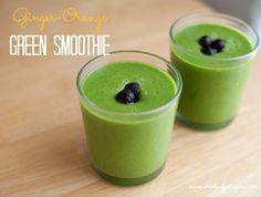 Ginger-Orange Green Smoothie Recipe // www.bridgidgallagher.com