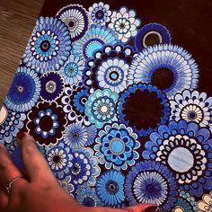 """""""Flores da  @carolinacf  em tons de azul    . . . ✔ Use #jardimdascores nos marque ou envie direct com sua foto  . . #jardimsecretofans…"""""""
