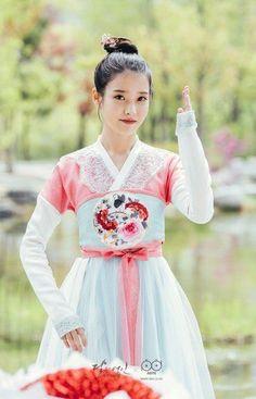 연인 – 보보경심: 려 / Moon Lovers / Moon Lovers – Scarlet Heart Asian Actors, Korean Actresses, Korean Actors, Korean Celebrities, Korean Hanbok, Korean Dress, Iu Fashion, Asian Fashion, Japanese Fashion