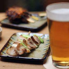 Delicias de nuestra robata  & cerveza fresquita  ¿hay mejor plan? #robatabcn #Robata #eixample #barcelona #grill #sushi #japanesefood #cocinajapinesa #soulcooking #urbanstyle