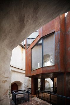 Image 7 of 16 from gallery of Brasov Tower / Point 4 Space. Photograph by Cosmin Dragomir Arch Architecture, Residential Architecture, Amazing Architecture, Crazy Houses, Best Architects, Adaptive Reuse, Space Photos, Corten Steel, Rustic Contemporary