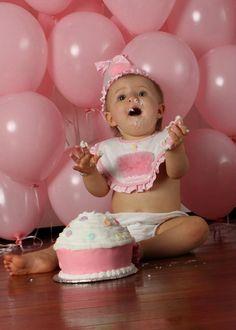 CAKE SMASH - balloon backdrop