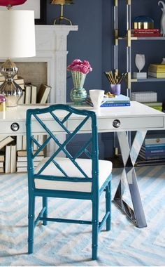 Home office desk from Jonathan Adler with Hollywood Regency style - Decoist Jonathan Adler, Home Office Desks, Office Decor, Office Spaces, Work Spaces, Sillas Chippendale, Luxury Furniture, Modern Furniture, Office Furniture