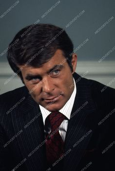 handsome Robert Conrad portrait 35m-10058