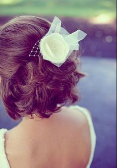 Short Wedding Hairstyles is a good choice for you. Here you will find some super sexy Short Wedding Hairstyles, Find the best one for you, Romantic Wedding Hair, Mod Wedding, Wedding Hair And Makeup, Wedding Beauty, Perfect Wedding, Bridal Hair, Hair Wedding, Bridal Crown, Dress Wedding