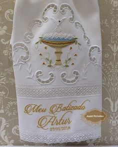 Ateliê / Enxoval Casa e Bebê (@atelierechilieu) | Instagram photos and videos Aari Embroidery, Embroidery Patterns, Machine Embroidery, Baby Baptism, Christening, Baptism Outfit, Chicken Scratch, Cross Stitch Bird, Stencils