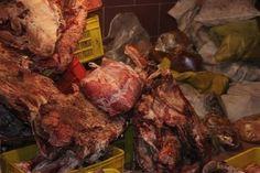 فرمانده انتظامی شهرستان شهریار از کشف یک تن گوشت فاسد در این شهرستان خبر داد.  به گزارش آیسام و به نقل از ایسنا، سرهنگ فریدون مکرمی اصل در این باره اظهار کرد: در پی دریافت اطلاعاتی مبنی بر فعالیت یک واحد صنفی در امر تهیه و توزیع گوشت چرخکرده با استفاده از گوشت های فاس�