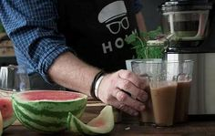 Claus Holms Opskrifter - Lad dig inspirere til god mad! Mojito, Glass Of Milk, Juice, Mad, Drinks, Drinking, Juicing, Drink, Cocktails