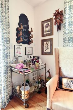 Thomas & Tara's Eclectic Collected Home in Nashville — House Tour Eclectic Rugs, Eclectic Decor, Image Master, Lucite Coffee Tables, Flea Market Style, New Condo, Cow Hide Rug, Mid Century House, House Tours