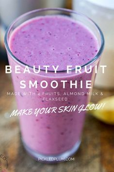 Recipe - Beauty Fruit Smoothie - made with banana, fresh pineapple, mixed berries, kiwi, almond (or soy) milk and ground flaxseed. Drink this smoothie every morning and watch your skin glow! Fruit Smoothies, Smoothies Banane, Pineapple Smoothies, Protein Smoothies, Yummy Smoothies, Smoothie Prep, Juice Smoothie, Smoothie Drinks, Dinner Smoothie