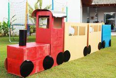 trenzinho de caixas para presentes ou brincadeiras das crianças