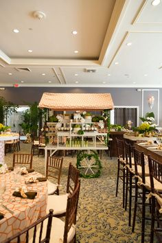 Image from Animal-Themed Baby Shower in Miami, FL, USA, posted by J GROUP EVENTS Food Displays, Buffet Displays, Food Stations, Safari Animals, Animal Party, Baby Shower Themes, Fl Usa, Florida, Tropical