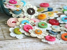 Handmade paper flower embellishments for scrapbooking junk journals Smash Books Bullet Journals Snail Mail with vintage paper and buttons - These handmade vintage paper flower embellishments are just too cute not to love! They are ideal fo - Papel Vintage, Diy Vintage, Craft Projects, Crafts For Kids, Craft Ideas, Candy Cards, Scrapbook Embellishments, Button Crafts, Smash Book