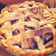 Homemade Apple Pie! Perfect for Fall and Thanksgiving!