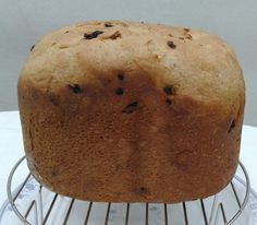 Cinnamon Wheat Loaf With Raisin and Dried Apricot Using Breadmaker. Taste like hot cross buns. Easy and healthy! Philips Breadmaker HD9045
