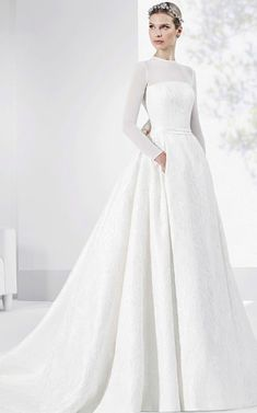 Franc Sarabia Wedding Dress Inspiration - Sick Tutorial and Ideas Wedding Dress Sleeves, Long Sleeve Wedding, Best Wedding Dresses, Bridal Dresses, One Shoulder Wedding Dress, Wedding Gowns, Walima Dress, Mod Wedding, Dream Wedding