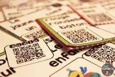 Cartes-Tâches avec CODES QR AUDIO- 3 Façons de jouer #taskcard #EdTech #FSL #QRcodes Ipad, French Resources, French Lessons, Qr Codes, Applications, Playing Cards, Coding, Activities, Phrases