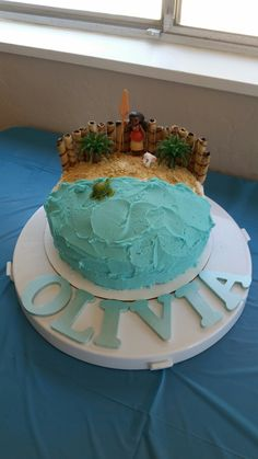 Moana cake - use graham cracker crumbs for sand