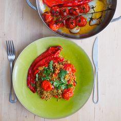 Freekeh, tomaat en paprika bbq salade