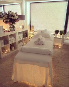Massage Room Decor, Massage Therapy Rooms, Spa Room Decor, Beauty Room Decor, Massage Table, Spa Massage, Home Spa Decor, Massage Clinic, Massage Room Colors