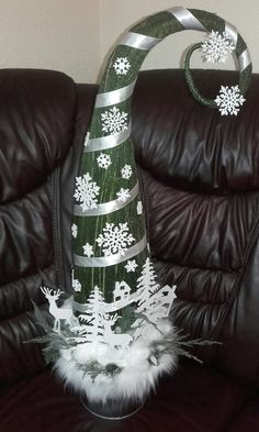Christmas Balls, Winter Christmas, Christmas Ornaments, Christmas Card Crafts, Christmas Decorations, Holiday Decor, Grinch Trees, Xmas Tree, Parol