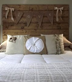 There are several ways in which you are able to turn the headboard the most attractive and focal point of your child's room. A DIY headboard is a simple, beginner friendly project with good effect. This DIY tufted headboard is… Continue Reading → Vintage Headboards, Diy Headboards, Headboard Ideas, Headboard Pallet, Headboard Designs, Burlap Bedding, Country Headboard, Window Headboard, Handmade Home Decor