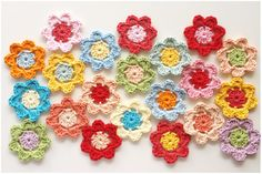 Easy Crochet Flower Pattern For Beginners Easy Peasy Crochet Flower Pattern Tutorial Stitch And Unwind Holiday Crochet Patterns, Crochet Flower Patterns, Crochet Flowers, Knitting Patterns, Crochet Bunting, Crochet Motifs, Knit Crochet, Freeform Crochet, Crochet Stitches