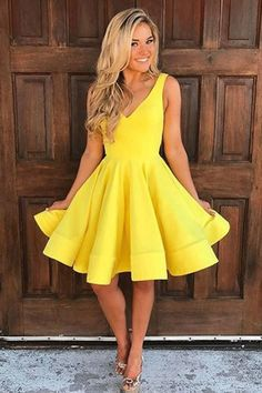 Hot Sale Soft Short A-line/Princess Homecoming Dresses, Yellow Sleeveless With Pleated Mini Prom Dresses #minipromdresses #shortpromdresses #partydresses homecomingdresses2018