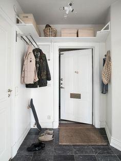 Dream Apartment, Apartment Design, Small Bedroom Inspiration, Small Hall, Deco Studio, Minimalist Bathroom Design, Room Design Bedroom, My Ideal Home, Entry Hallway
