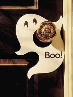 une plaque pour la poignée de porte - fantôme sympathique