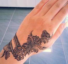 Mehndi designs by DikWittington Henna Designs Easy, Beautiful Henna Designs, Mehndi Art Designs, Beautiful Mehndi, Mehndi Patterns, Latest Mehndi Designs, Mehndi Designs For Hands, Henna Tattoo Designs, Henna Tatoos