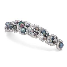 An exquisite Tahitian pearl and diamond Cartier bracelet dating from the which once belonged to Sita Devi, the Maharani of Baroda Luxury Jewelry, Bling Jewelry, Pearl Jewelry, Antique Jewelry, Jewelery, Vintage Jewelry, Vintage Bracelet, High Jewelry, Silver Jewellery