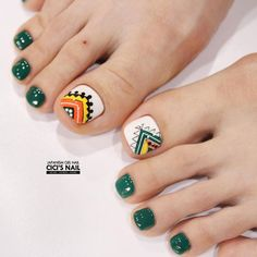 21 Incredible Toe Nail Designs for Your Perfect Feet - FlawlessEnd Nail Designs Toenails, Feet Nail Design, Cute Toe Nails, Pedicure Designs, Pedicure Nail Art, Toe Nail Designs, Toe Nail Art, Pretty Nails, My Nails