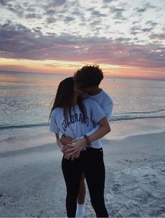 14 Fotos que tú y tu chico se deben tomar en un atardecer Relationship Goals, Good Relationships, Cute Relationship Goals