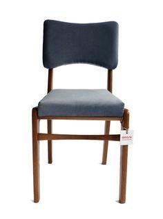 Krzesła 296/B  Wyprodukowano: Zakłady im. Wielkiego Proletariatu w Elblągu Lata:60/70 Projektant: arch. Rajmund Teofil Hałas
