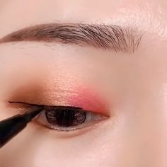 Makeup Natural Tutorial The eye is the window to the soulYou can find Asian eye makeup and more on our website.Makeup Natural Tutorial The eye is the window to the soul Korean Makeup Look, Korean Makeup Tips, Asian Eye Makeup, Korean Makeup Tutorials, Natural Eye Makeup, Asian Makeup Videos, Korean Makeup Ulzzang, Ulzzang Makeup Tutorial, Chinese Makeup