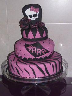 Tarta Monster High, para mi sobrina, una niña terrorificamente linda.