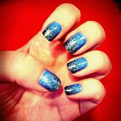 blue gradient nails with glitter _love the blue & black blend with hints of silver glitter accents!! WINNER?!