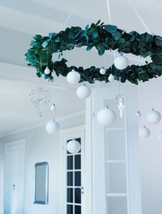 Photo only - green wreath, styrofoam snowballs, ornaments. Green Christmas, Little Christmas, All Things Christmas, Winter Christmas, Merry Christmas, Diy Christmas Decorations, Xmas Wreaths, Christmas Crafts, Christmas Ornament